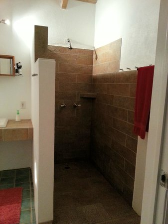 Shannas Cove Resort:                   the shower