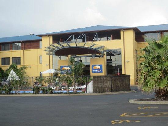 Heartland Hotel Auckland Airport: Eingang mit kleinem Pool