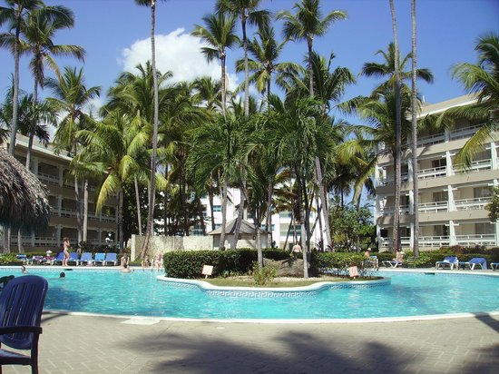 Vista Sol Punta Cana:                   piscine principale