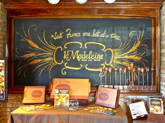 la Madeleine French Bakery & Cafe: The attractive sign board inside the Cafe at the main enterance.