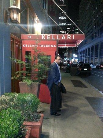 Kellari Taverna : My friend George at the entrance