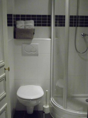 Nouvel Hotel:                   salle de bains