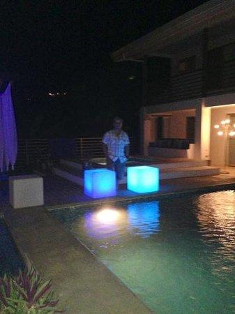 una noche hermosa en el hotel laguna mar