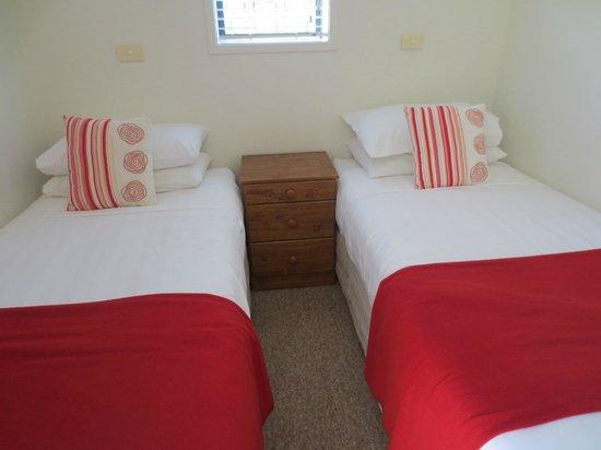 Beachfront Resort: kleines Schlafzimmer