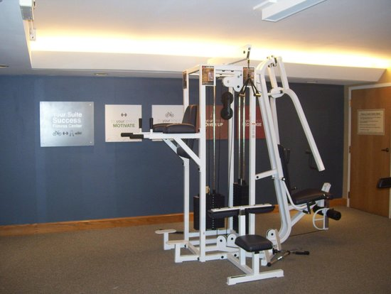Comfort Suites South Burlington : gym-weights