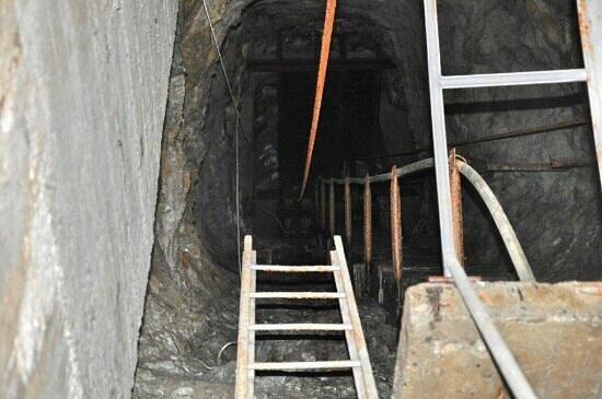 Ecomuseo delle Miniere e della Val Germanasca:                   interno miniera paola