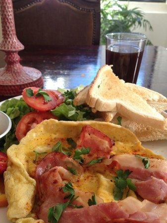 Oasis Hostel:                   3 euro breakfast