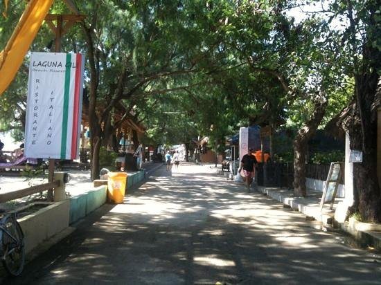 Laguna Gili Beach Resort: streets of Gili T outside hotel