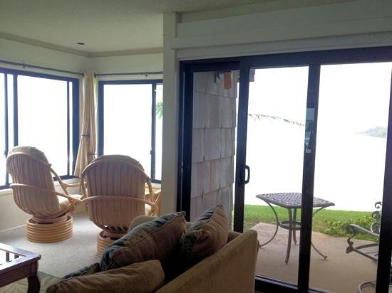 Sealodge at Princeville:                   alcove