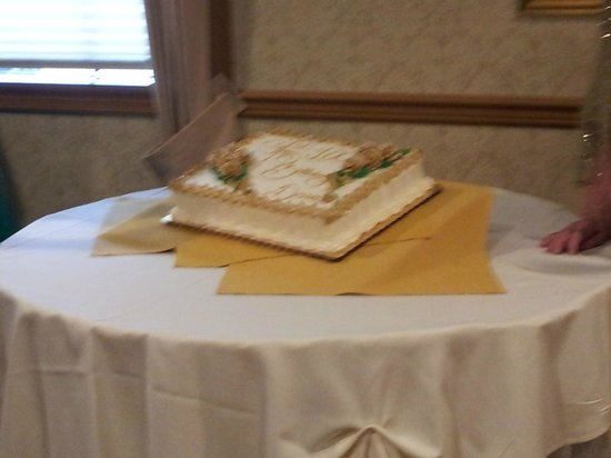 Pierre's of South Brunswick: cake