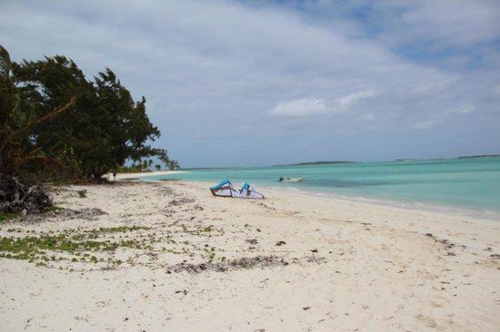 Paradise Bay Bahamas:                                     Rolleville