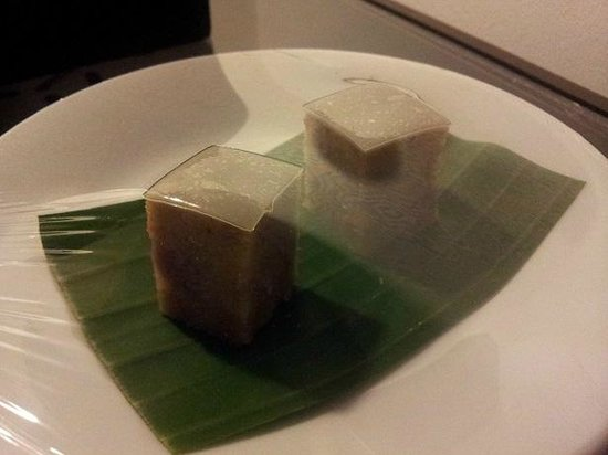 Memoire d' Angkor Boutique Hotel:                   the local snack, this is good