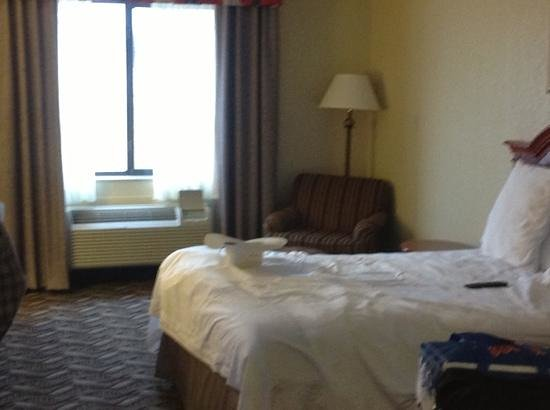 Holiday Inn Express Lonoke:                                     roomy w/ 2 queen beds