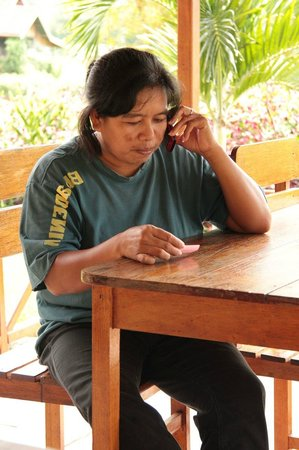 Ue Datu Cottages: Our wonderful host Elly!