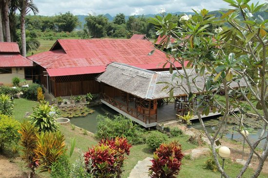 Ue Datu Cottages: Communal area / Place for breakfast