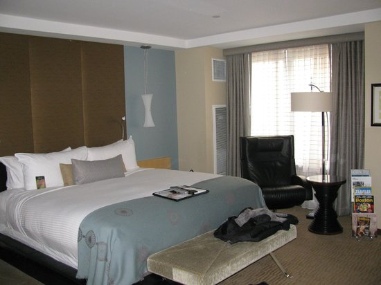 Battery Wharf Hotel, Boston Waterfront: The Bed