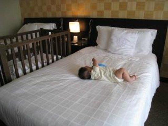 شيراتون مياكو هوتل طوكيو:                   ベッド                 