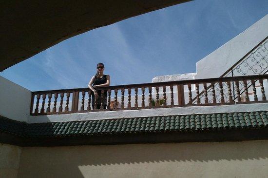 Riad Ziryab Marrakech :                                     Maria en una de las dos terracitas