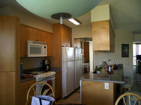 Maui Sunset Condos: Nice kitchen
