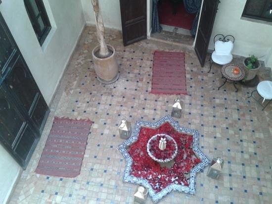 Riad Al Rimal:                                     El patio interior del riad