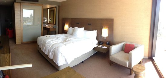 Hilton Melbourne South Wharf:                   Room 1618