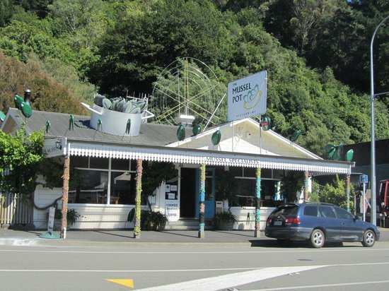 The Mussel Pot:                   Mussel Pot Restaurant