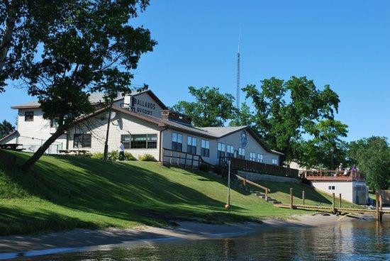 Ballard's Resort : Ballard's lodge