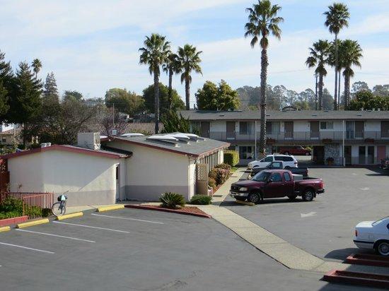 Surf City Inn & Suites: Exterior View