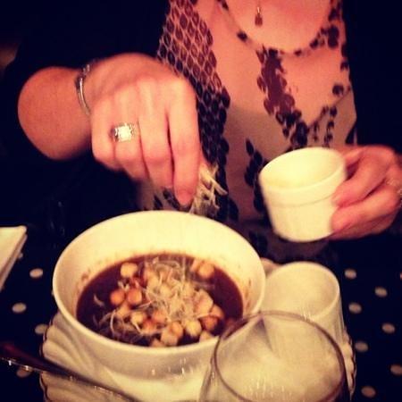 La Petite Cour :                   fab French onion soup!