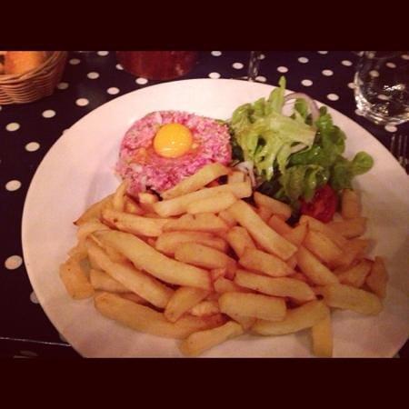 La Petite Cour :                   steak tartare soooo good!