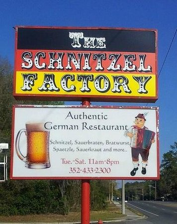 The Schnitzel Factory : Our sign