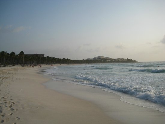Barcelo Maya Tropical:                   northern beach