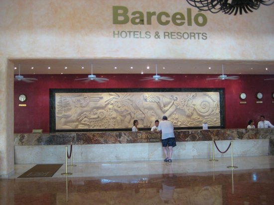 Barcelo Maya Tropical:                   lobby front desk
