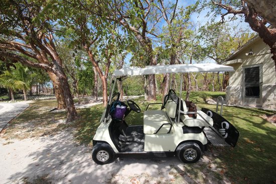 Pink Sands Resort:                                     voiturette de golf
