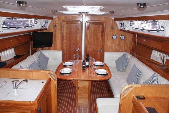 Sailingdinnercruises: Luxuary Salon