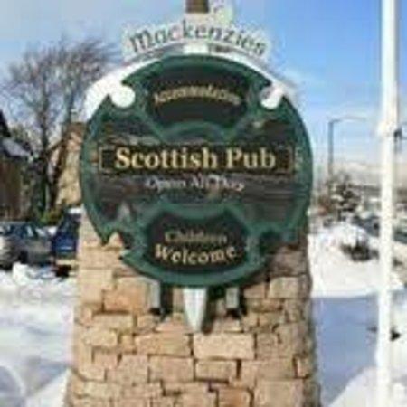 Mackenzies Highland Inn: Come join the clan