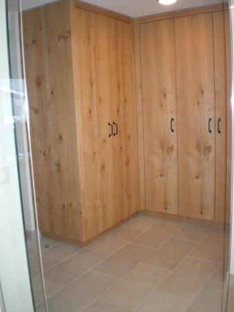 Aktiv- & Wellnesshotel Bergfried: Le dressing - Suite 403