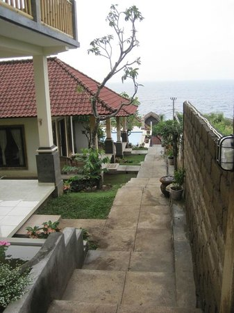 Barong Cafe Bungalow and Restaurant:                   Blick nach unten