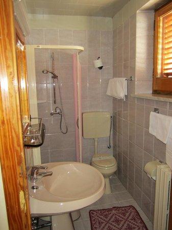 Hotel Europa : bagno camera matrimoniale