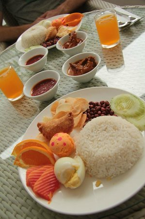 Langkawi Chantique Resort: Plastic fantastic... breakfast