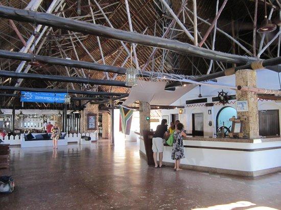 Voyager Beach Resort:                   Reception