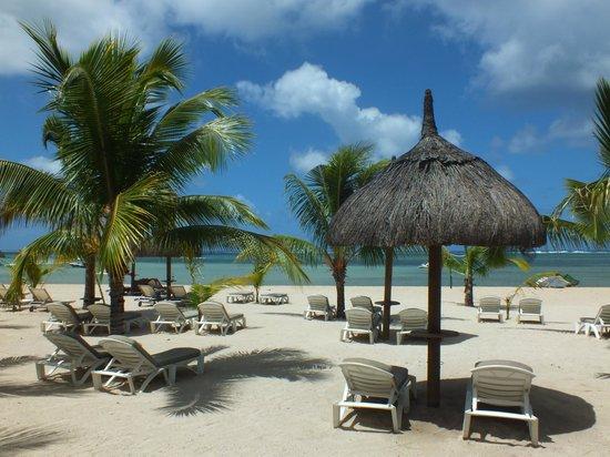 The St. Regis Mauritius Resort:                                     plage