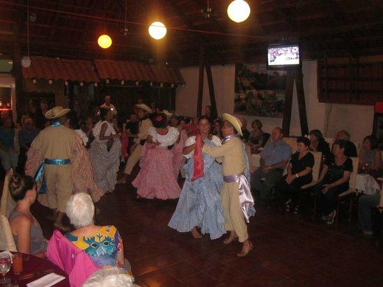 Hotel San Bada:                   performers