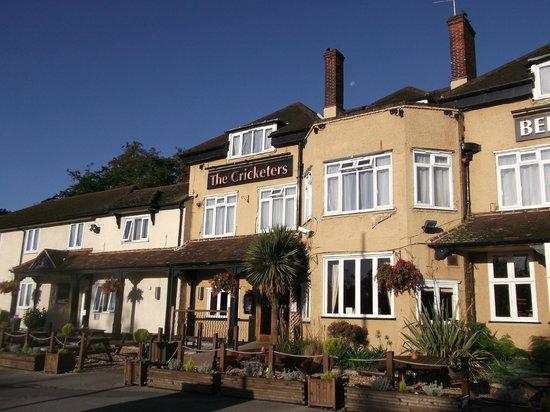 Premier Inn Bagshot Hotel: Premier Inn Bagshot/Cricketers