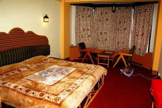 Welcome Hotel Srinagar:                                                       Bedroom