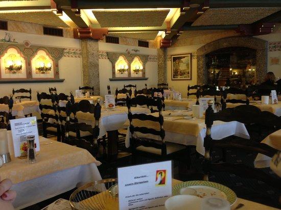 Alpenrose Resort :                   Speiseraum 4 Sterne Hotel