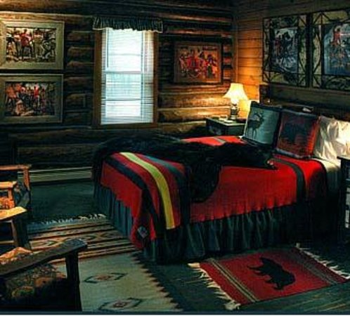 Spider Lake Lodge Bed & Breakfast Inn: Bear's Den, one of 7 unique Northwoods rooms