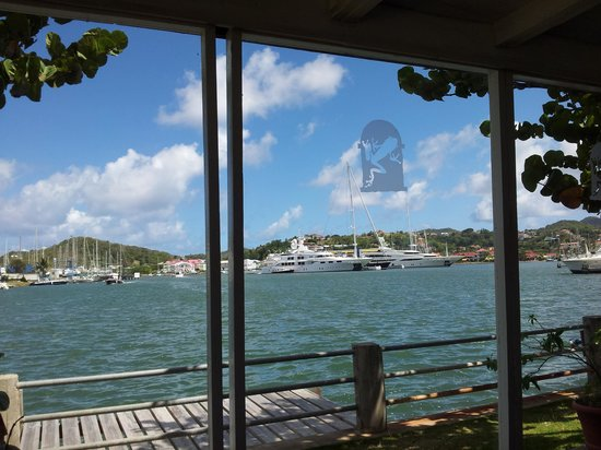Jacques Waterfront Dining aka Froggie Jacques:                   View of Rodney Bay Marina