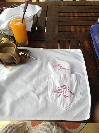 Paradee Resort : Cute breakfast sheet and napkin