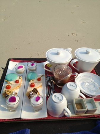 Paradee Resort & Spa Hotel: Tea time...anywhere you want